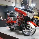 ヴィクトリー モーターサイクル・インディアン モーターサイクルのブースへ