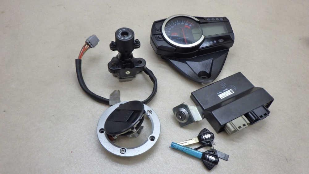 スズキ GSX-R1000 メーター ECU キーセット メインスイッチ等